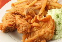 fried chicken recipes / by Brian Duncan