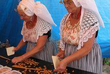 Dutch folk costumes