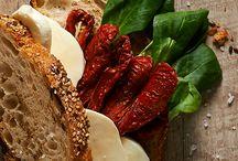 Panini / Un pane delizioso, preparato con lievito madre e farcito con prodotti agroalimentari di eccellenza della regione Lombardia