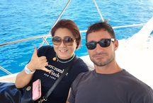 クルーザー船上挙式 | Wedding / ハワイと言えば...海!青い海と白い波に囲まれて、心地良い風を受けながら、クルーザーの上で素敵な船上挙式♡! 一生の思い出になること間違いなし!