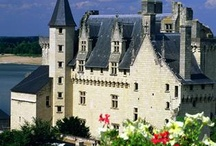 French Castles & Chateaux