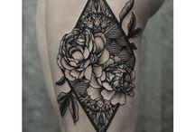 Tetoválások és piercingek