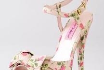 oh those pretty pretty shoes / by Molly Hernandez