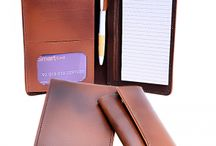 Wallets and keychains / Buy Men Leather Wallets and Keychains Product all across in Pakistan at Oshi.Pk. For bookings, call us: + 92-311-1222919 or email at: Info@Oshi.Pk