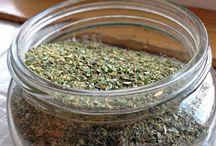 Seasoning/Spice mixes / by Maria Gruszczynski