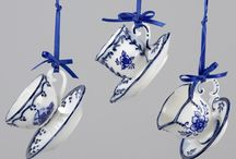 Delft Christmas / Dreams of the snowy Dutch South etched beautifully in royal blues and crisp whites