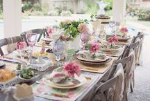 Entertaining / Ideas on how to wow your guests!  From table top to easy dishes to goodie bag ideas.