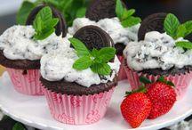 Cupcakes Galore / by Gay Kelley