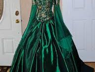Medieval and Renaissance Outfits / Medieval and Renaissance style dresses and clothing I would love to wear