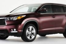 The 2016 Toyota Highlander @ Milton Toyota / The Highlander combines the appealing aspects of a mid-size passenger car with the utility of an SUV. This is accomplished by being built on a unibody platform, rather than a traditional truck frame, therefore offering better on-road handling. A refined, dynamic design with a strong sense of presence and spacious interior also add to its appeal.