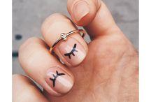 /nails/makeup/