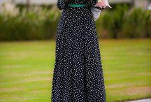 like this dress,, so simple..