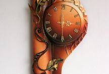 Rzeczy do sprzedania / Jestem producentem obrazów i zegarów ze skóry. Na tablicy pokazuję, które produkty można u mnie kupić. Zapraszam.