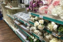 Shop Shelving - Retail display - Homeware shop displays / Shopfittings ideal for all Homeware goods - Freestanding shelving with a range of shelving accessories to suit all retail display products - wall shelving - gondola shelving - slatwall shelving - peghook display -