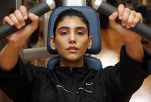 Maitha MRM: deporte 1 / Maitha bint Mohammed bin Rashid Al Maktoum (05/03/1980).  -Campeona internacional de kárate -Presidenta de la Comisión Mundial de la Federación de Kárate (11/2010).  -Embajadora extraordinaria de la Federación Internacional de Judo (21/08/2011).  -Equipo Godolphin Polo   Padre: Mohammed bin Rashid bin Saeed Al Maktoum  Madre: Um Majed