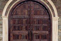 Puertas y ventanas / Doors and Arches