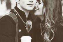 < Glee >