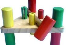 Mainan aktivitas dari kayu / www.mainan.web.id/2014/10/mainan-edukatif-untuk-anak-hammer-set.html