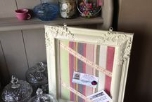 Annie Sloan paint ideas  / Up cycled picture frame. Now a stylish notice board.
