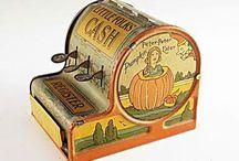 Starožitné hračky (Antique Toys) / Nábyteček, nádobíčko, autíčka, lodě, houpací koníci......
