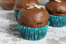 Cakes & Cupcakes / by Patti White