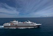 Ponant / Le Yachting de croisière selon PONANT, c'est proposer des escales mythiques ou atteindre les ports les plus secrets, uniquement accessibles aux navires de petite capacité.