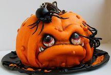Gothic Cakes / Yum! Yum!