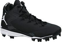 Nike Air Jordan Super Fly 3 MCS Boys Baseball Cleat / Nike Air Jordan Super Fly 3 MCS Boys Baseball Cleat