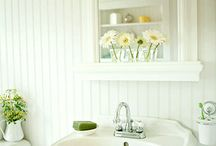 Beautiful Bathrooms / by Mary Fetzer