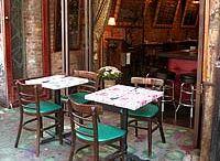 Approved: Restaurants / by Carolina Bevad