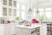 Kitchens / by Kelley Wendt