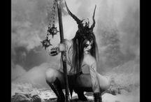 Black metal tarot