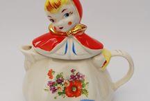 Teapots / by Jennifer Thompson