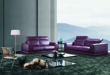 Canapé cuir violet / créer une ambiance avec un canapé moderne