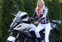 Csajok a motoron - Biker girls / 0