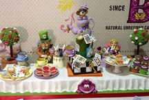 Alice in Wonderland cakes, cookies and cupcakes / Our cakes and others that I admire