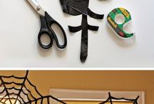Halloween Home Decor / Spooky Fun Home Decor for Halloween! A lot of these pins are DIY! So simple and creative!