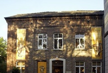Was war... / 15 Jahre lang war unsere Kinder- und Jugendbuchhandlung in einer alten Druckerei untergebracht. Danach wurde das alte Backsteinhaus als Wohnhaus umgebaut.