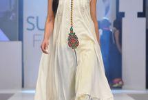 Grandeur - Pakistani Fashion / #Bollywood / by Sabeen Saleem | Mumchic