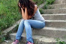 Διαχείριση συμπεριφορών / Πόσες φορές αναρωτηθήκαμε πώς να διαχειριστούμε καταστάσεις που αφορούν στην συμπεριφορά του εφήβου μας; Η αντίδραση, η οργή, οι συγκρούσεις και οι καυγάδες τείνουν να γίνουν η καθημερινότητά μας. Πώς το διαχειριζόμαστε λοιπόν; Οι ειδικοί μας δίνουν πολύτιμες συμβουλές για να αντιμετωπίσουμε όλες αυτές τις συμπεριφορές των έφηβων παιδιών μας.