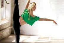 Pole dance - strength - flexibility