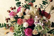 Allestimenti matrimoni by La Sposa Vispa / Fiori per matrimonio, allestimenti per matrimoni, arco per matrimoni, centrotavola, matrimonio, fiori bianchi, rose, peonie, romantico, shabby chic, dalie, fiori di campo