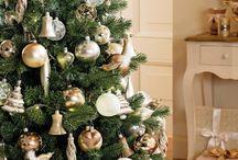 """""""Kika Karácsony"""" / Karácsonykor mindig eszembe jut kedvenc gyermekkori versem részlete: """" Mi az a karácsony? - A karácsony a békesség és a szeretet ünnepe, ilyenkor az ember szíve boldogsággal van tele. Karácsonyfát kap a gyermek, nincs irigység nincs harag..."""" A képek amiket választottam pontosan ezt tükrözik. Megmutatják milyen nekem a karácsony, milyen hangulatban ünneplem szívesen ezt a pár napot, mi az ami számomra fontos ezen az ünnepen. A színek, formák, illatok és érzések tökéletes harmóniája."""