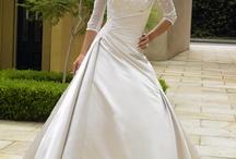 wedding dresses / by Laura Elizabeth