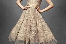 Dresses / by Carna Lapping