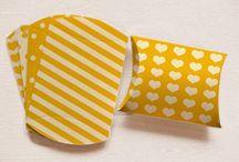 Printable Pillow Boxes / You can print out fun printable pillow boxes #print #packaging