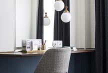 Dressing table/vanity
