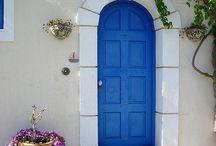Doors BLUE <3 / by Belinda Falgout