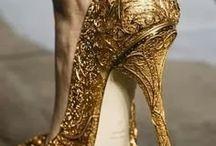 calçado, senhora. :)