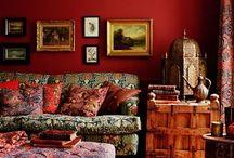 暖色のインテリア / 赤・橙・黄を基調としたインテリア、ファニチャー、デコレーションアイテム。